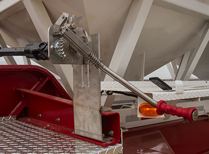 Elcargo cover kit hardware detail - Stationary crank for rolling tarp
